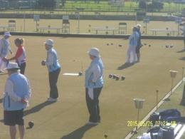 para senior sedang bermain bowling(dok pribadi)