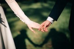 Couple session dalam sebuah pernikahan. (Sumber: Unsplash/Foto oleh Jeremy Wong Wedding)