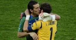 Buffon & Casillas, kiper legendaris Italia & Spanyol/foto: UEFA.com
