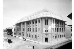 Kantor Nederlandsch Indische Escompto Maatschappij di Batavia (tahun 1920-an) cikal bakal Bank Dagang Negara (BDN). Sumber: Kompas.com