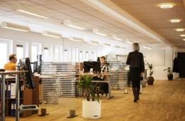 Keramahtamahan antar karyawan, karyawan terhadap tamu, itu mutlak. (ilustrasi Pixabay)