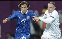 Pirlo dan Rooney dalam duel Italia vs Inggris di Euro 2012/telegraph.co.uk