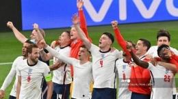 Euforia para pemain Inggris setelah berhasil mengalahkan Denmark dan melaju ke final Euro 2020 (Sumber: tribunnews.com)