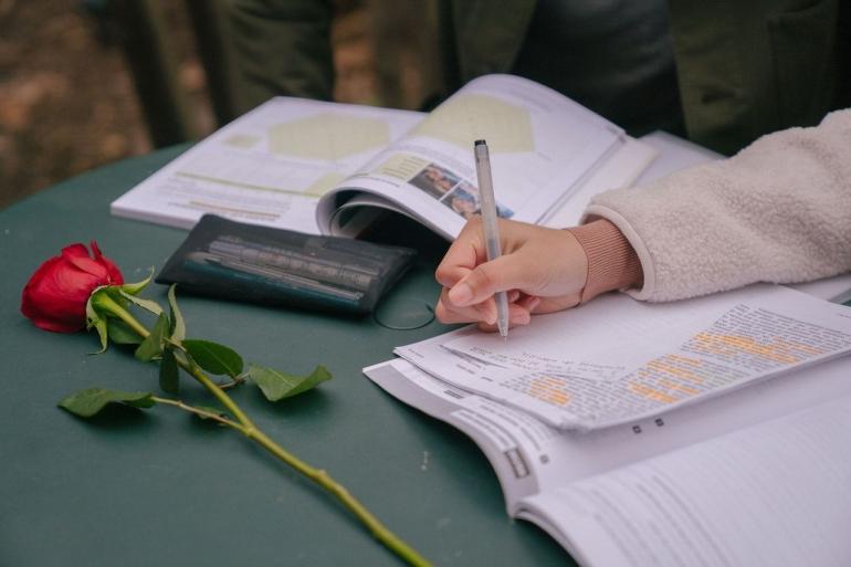 Ilustrasi Gambar: 9 Manfaat Giat Menulis (Sumber: www.pexels.com)