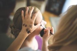 Passion menjadi make up artist (Sumber: pexels/Kaboompics .com)