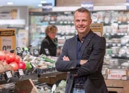 Foto: Bjorn Kuipers sebagai pemilik supermarket di Belanda. (Sumber: Doorzetters met dromen)