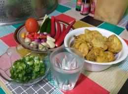 Bahan membuat Ayam Bumbu Kukus   Foto: Siti Nazarotin