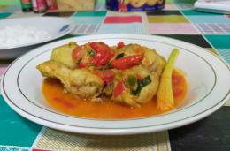 Ayam masak bumbu kukus   Foto: Siti Nazarotin