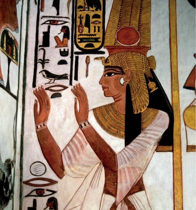 Lukisan dinding dari makam Ratu Mesir Nefertari (abad ke-13SM). Seperti kebanyakan wanita Mesir Kuno, Nefertari mengenakan maskara hitam yang terbuat dari timbal sufida (PbS). Sumber: How It Works - Book of the Elements, hlm. 122.