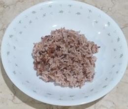 Nasi merah campur nasi putih