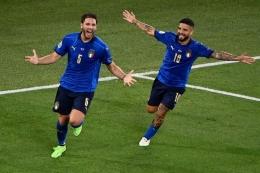 Locatelli seperti gelandang khas Italia yang tidak enggan untuk bertahan seperti Pirlo di zaman mudanya. Sumber: AFP/Riccardo Antimiani/via Kompas.com