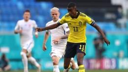 Isak tampil cukup bagus di lini depan Swedia. Sumber: Getty Images/via Goal.com