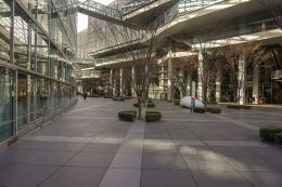 """www.architectureofthegames.com - Ruang luar yang lebih """"manusiawi"""" dibanding dengan di Crystal Hall, akan memberikan rasa nyaman bagi kontingen even akbar ini ....."""