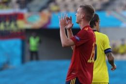 Dani Olmo sangat penting di lini tengah Spanyol dalam gelaran Euro 2020. Sumber: via Football-espana.net
