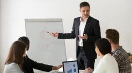Ilustrasi interaksi pimpinan dan karyawan  Sumber: Shutterstock via Tribunnews