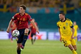 Pau Torres dipercaya Enrique kawal lini belakang Spanyol. Sumber: AP/via The-sun.com