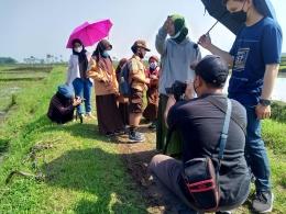 Proses shooting di sawah Dusun Krajan (dokpri)