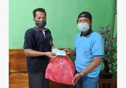 Pemberian bantuan 100o masker kepada perwakilan warga desa Maindu