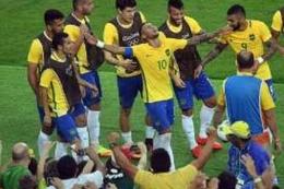 Tim sepak bola Brasil, peraih medali emas Olimpiade Rio 2016 (sumber : kompas.com)