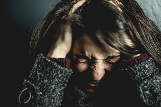 ilustrasi marah hingga merasa stres   photo by David Garrison from pexels