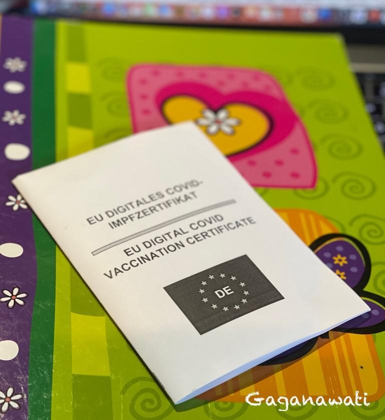 Kartu dari apotik dengan barcode (dok.Gana)