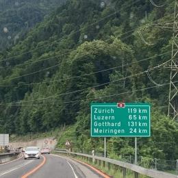 Jalan Tol di Swiss foto von Risa