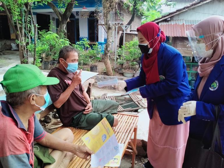 Sosialisasi vaksin ke warga Dusun Kenep Utara. Dokpri