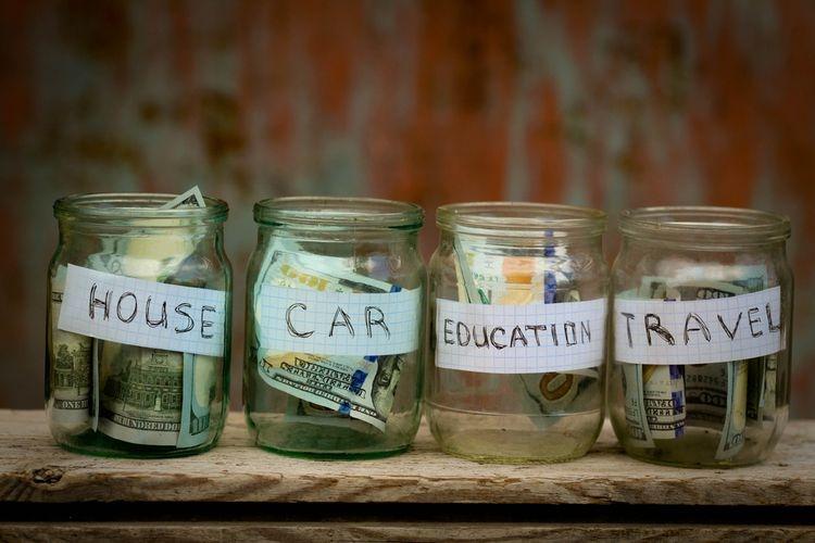 Ilsutrasi menabung untuk beberapa keperluan. Sumber: Shutterstock via Kompas.com