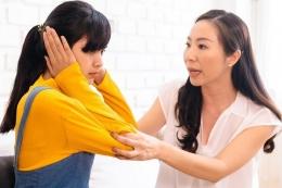 Toxic parents memiliki efek besar yang berlaku hingga dewasa pada sang anak. Sumber: Twinsterphoto via Kompas.com