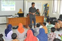 Momen Presentasi Di Depan Anak SD. Dokumentasi Pribadi