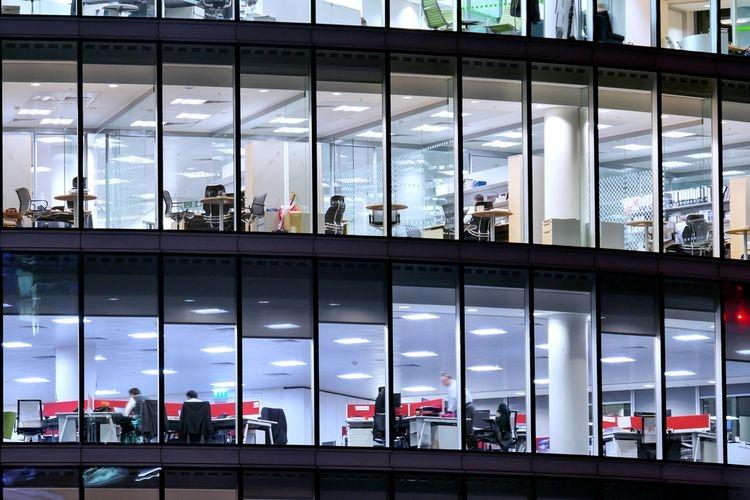 Ilustrasi gedung perkantoran  Sumber: Shutterstock via Kompas.com