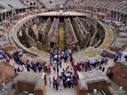 Bagian dalam Colosseum saat ini. Sumber: koleksi pribadi