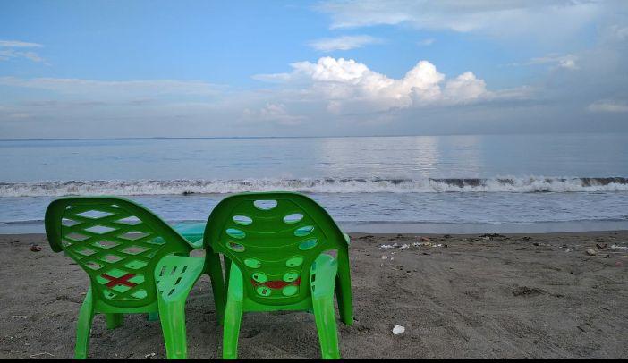 Sepasang kursi setia menunggu cerita/Dokpri