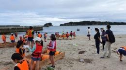 Ilustrasi keceriaan anak-anak beraktivitas di pantai. (Dokumentasi pribadi)