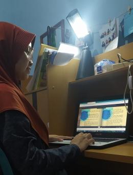 Siswa sedang belajar saat PJJ (Dokumentasi pribadi)