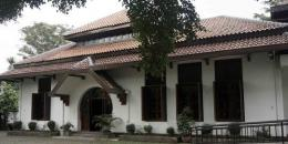 Gedung Indonesia Menggugat via jabarprov.go.id