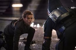 Black Widow saat menghadapi Taskmaster. Sumber: imdb