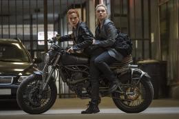 Film Black Widow berada di antara Civil War dan Infinity War. Sumber: imdb