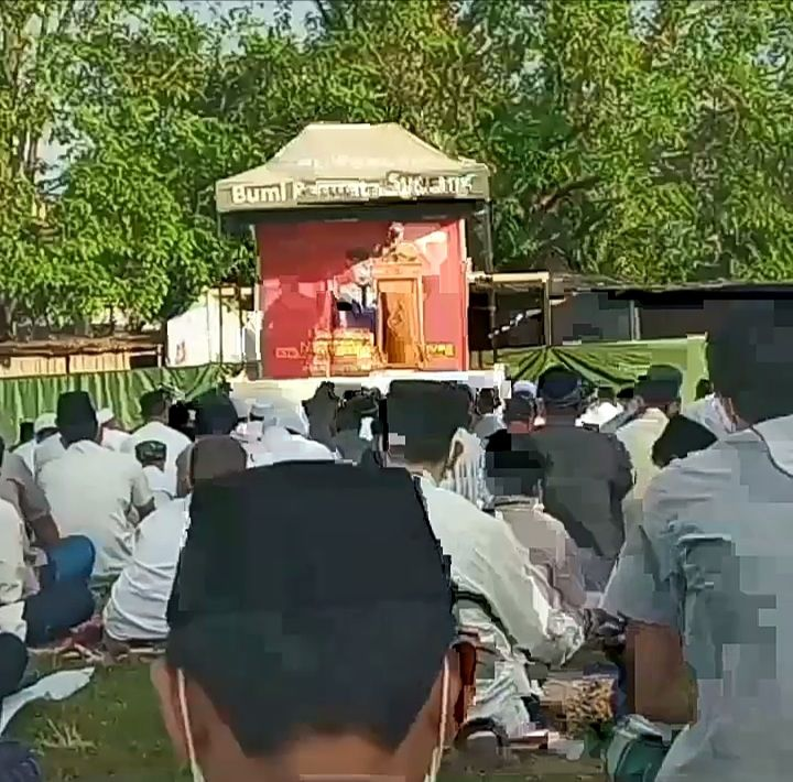 Pelaksanaan Salat Idul Adha di Lapangan BPS (dokpri)
