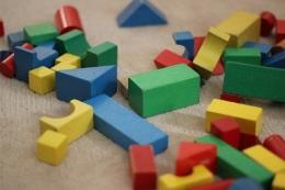 Aneka komponen permainan Building Blocks   Sumber gambar: Pixabay.