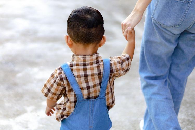 Anal lebih dekat dengan pengasuhnya | Sumber: Shutterstock via lifestyle.kompas.com