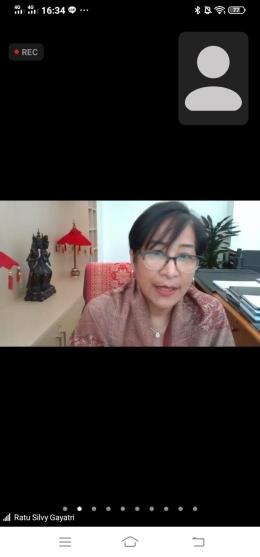 zoom kotekasiana, bersama ibu Ratu Silvy (Duta Besar Indonesia untuk Finlandia)/Tangkapan layar dokpri