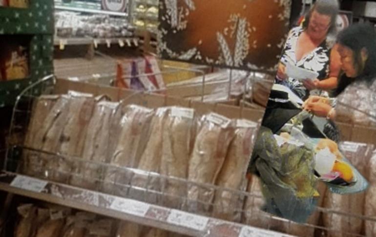 Berbelanja ditoko roti(dok pribadi)