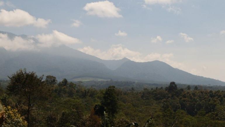 Desa Balesari terletak di kaki Gunung Kawi