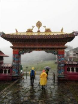 gerbang biara Tengboche : foto dokumentasi pribadi