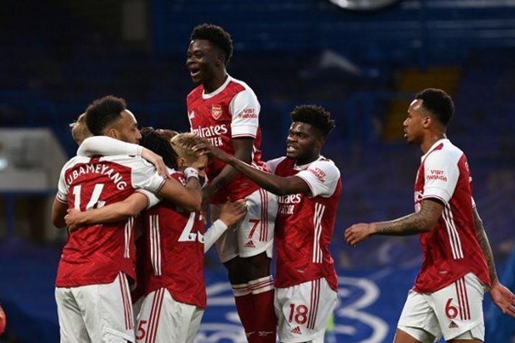Mikel Arteta harus membangun Arsenal agar bisa menjadi tim kompetetif di musim 2021/22. Sumber foto: AFP/Shaun Botterill via Kompas.com