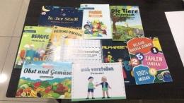 Foto: Hasil 10 buku binaan karya mahasiswa KKN Tematik UM Jaticempaka Bahasa Jerman yang sudah dicetak