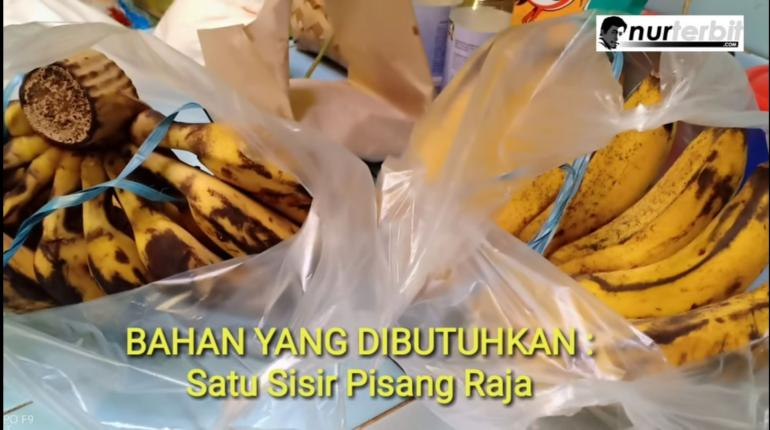 Kue berbahan pisang (foto:Nur Terbit) Namanya Pisang Ijo Rasa Duren (Durian) khas Makassar, Sulawesi Selatan racikan istri Bunda Sitti Rabiah. Selama