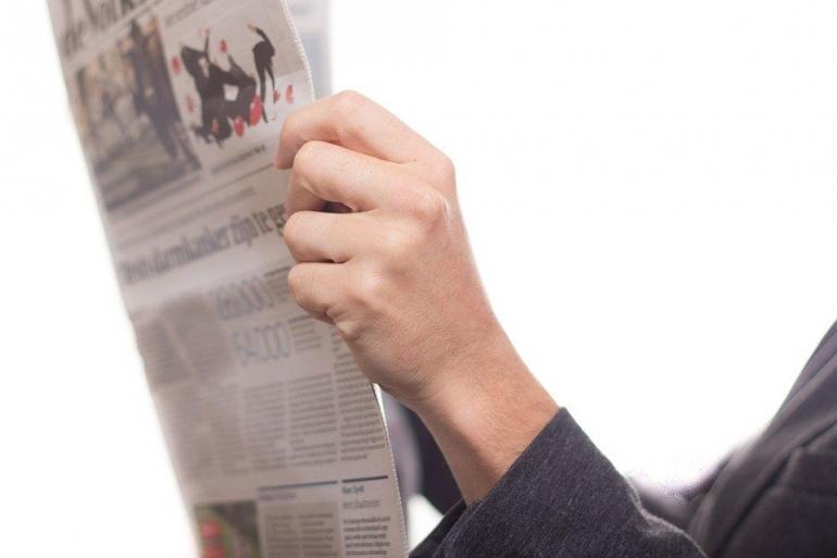 Ilustrasi membaca berita, sumber: pixabay