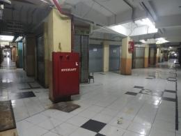 Kios-kios yang sudah tutup sejak pukul 1 siang